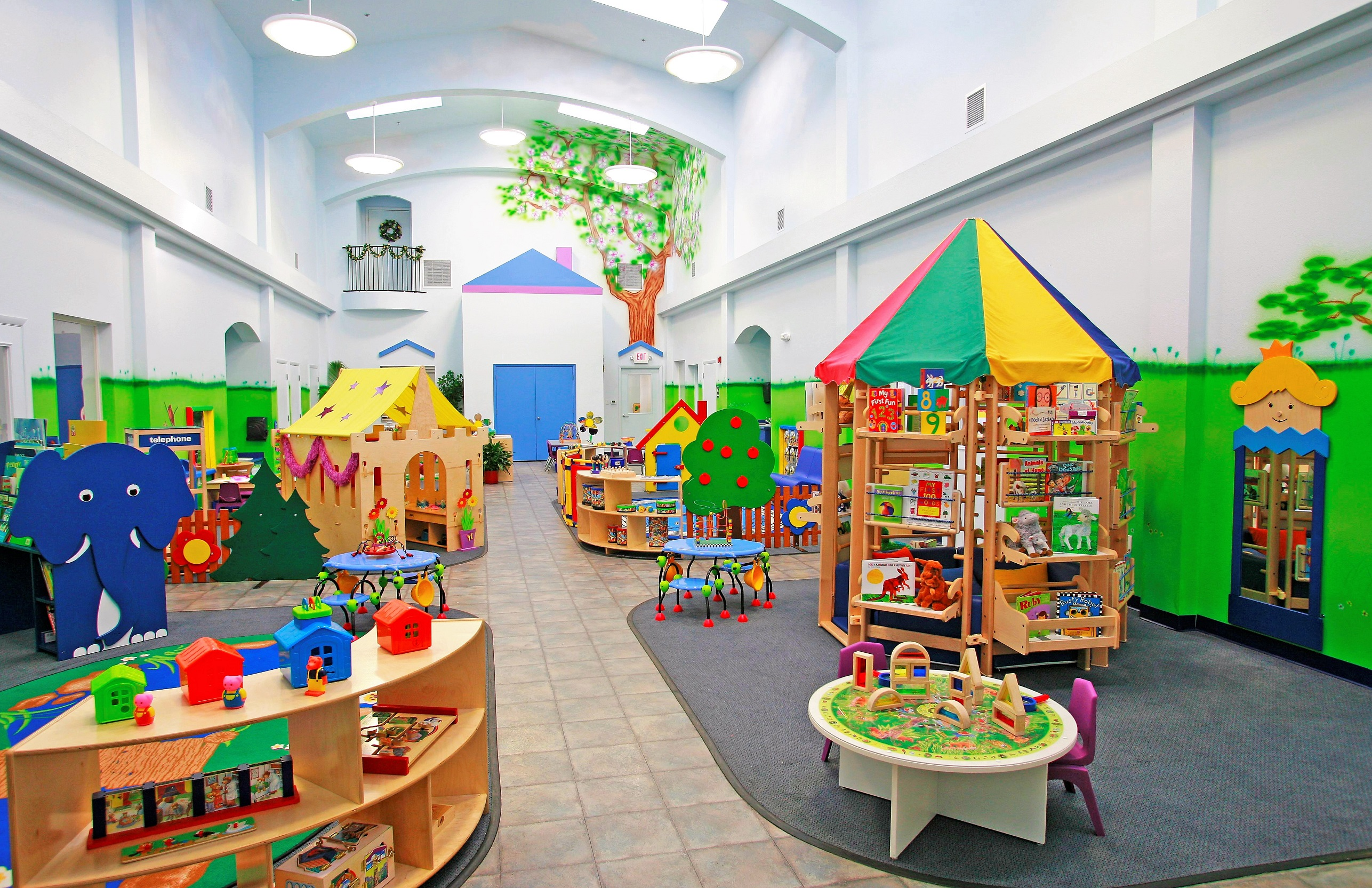 childs day care center - HD2573×1665